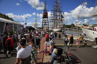 Tall Ships Racesin yleisöä
